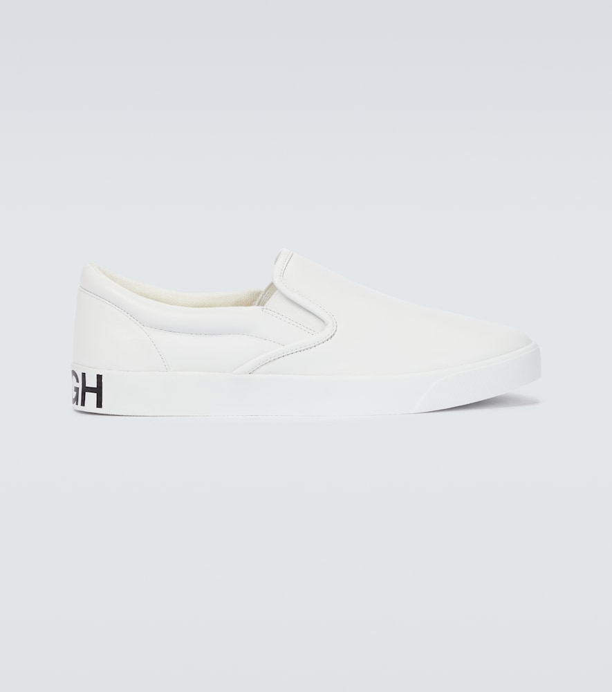 Steer smooth slippers