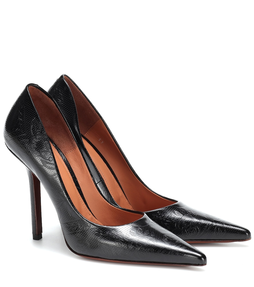 Embossed leather pumps