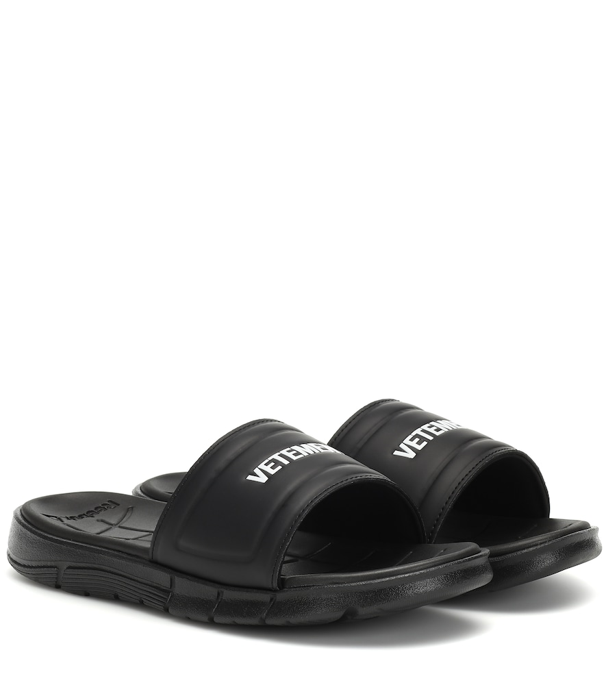 Vetements Slippers RUBBER SLIDES