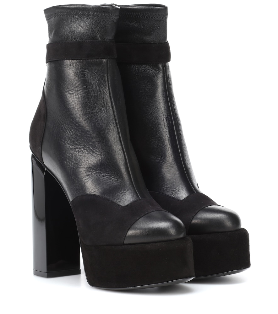 Scarlett Leather Ankle Boots in Black