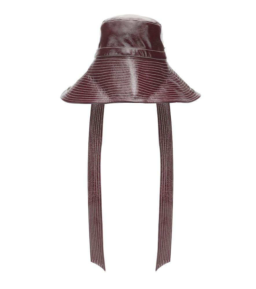Chapeau bob en cuir synthétique verni
