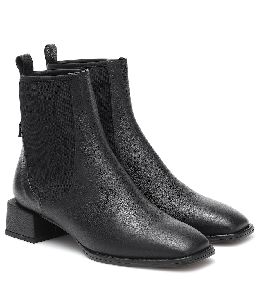 Loq Ottavia Leather Ankle Boots In Black Modesens