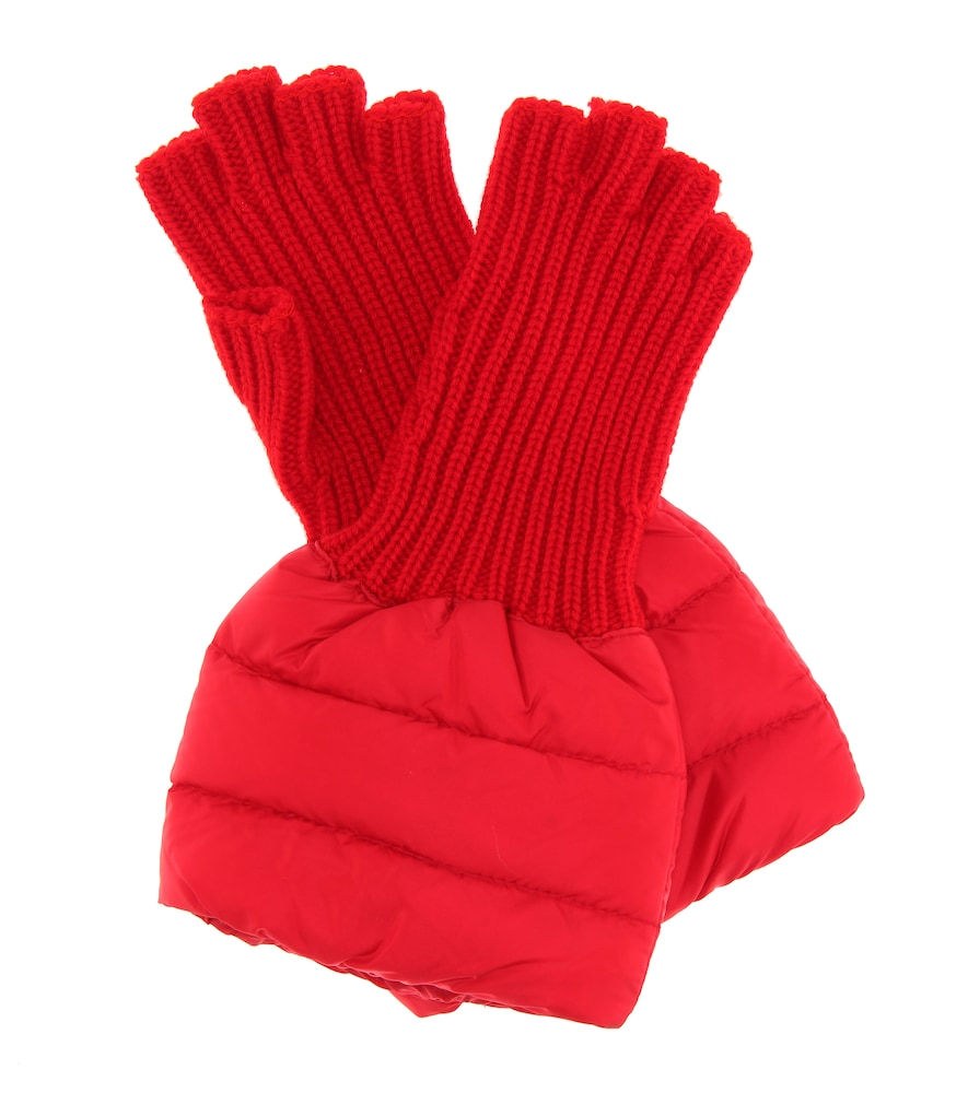 Quilted Wool-Trim Gloves in Red