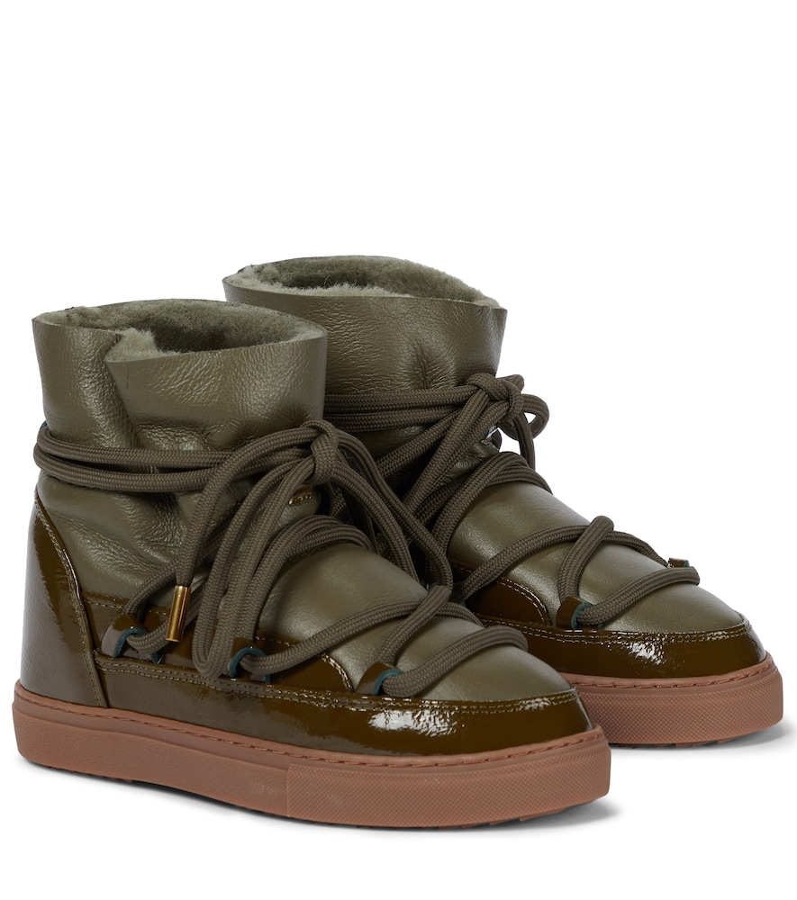 Leather-paneled snow boots