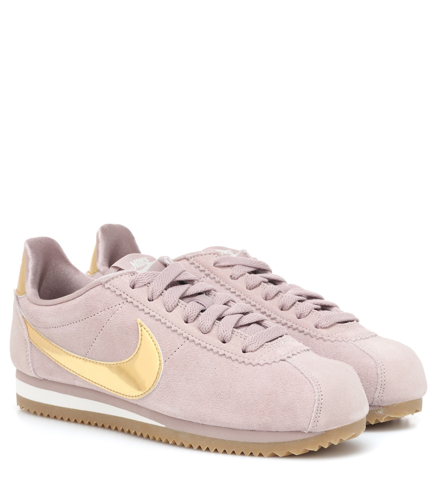 0256b3dce0 ... coupon code for nike classic cortez suede sneakers in pink b59d2 95109