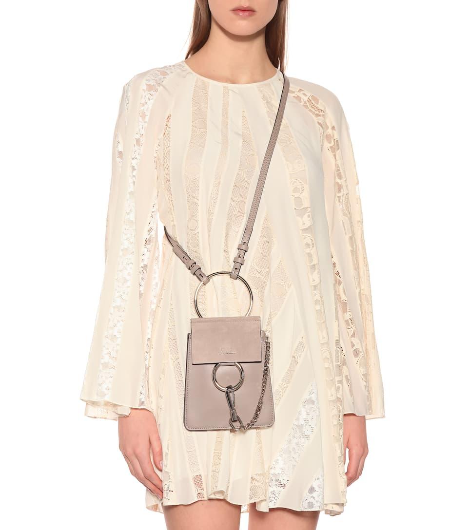 Chloé Schultertasche Faye aus Leder und Veloursleder