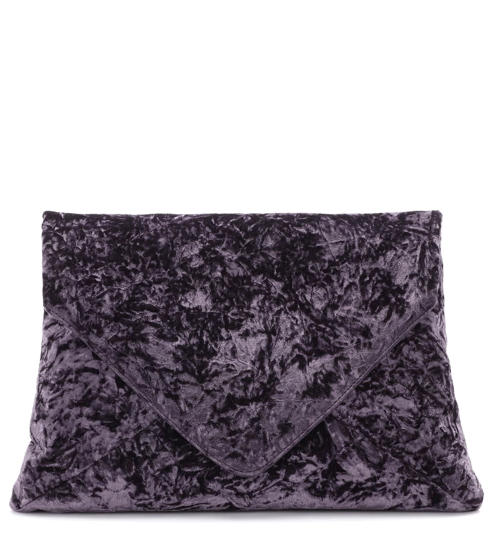 Dries Van Noten Clutch aus Crash-Samt
