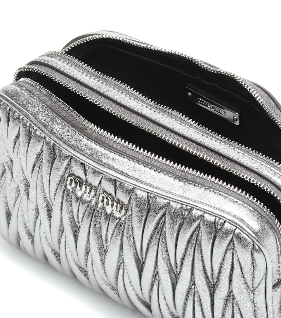 Miu Miu Crossbody-Tasche aus Matelassé-Leder