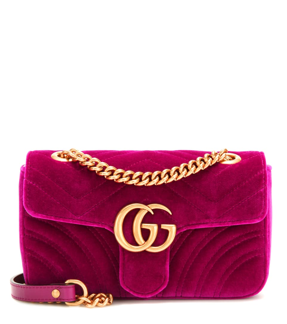 Gucci Schultertasche GG Marmont Mini aus gestepptem Samt