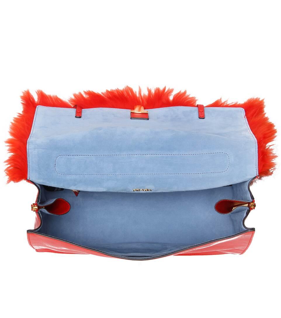 caa85cd605a35 Tasche Etiquette Aus Leder Mit Fell - Prada