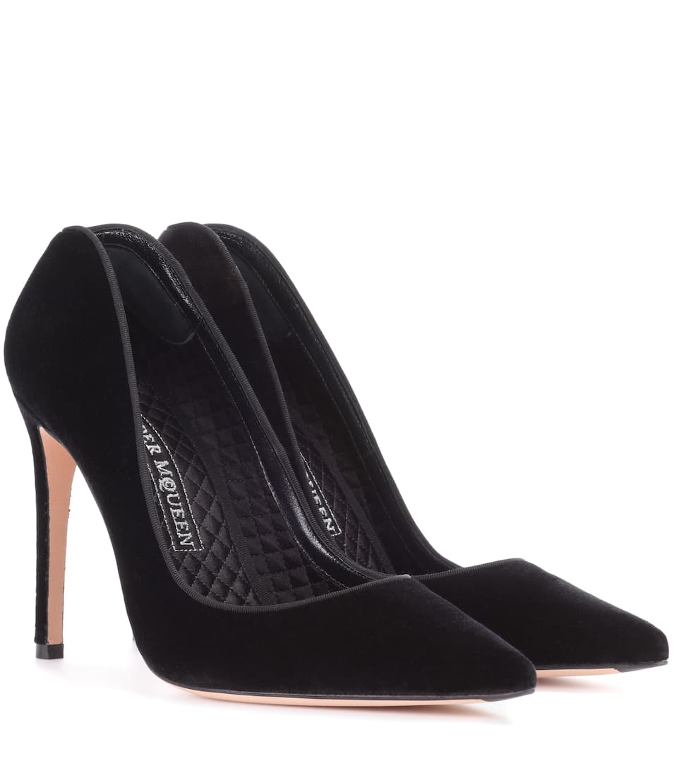 Sale Cost The Cheapest Cheap Online Alexander McQueen Velvet Pump VU2T0oSKs
