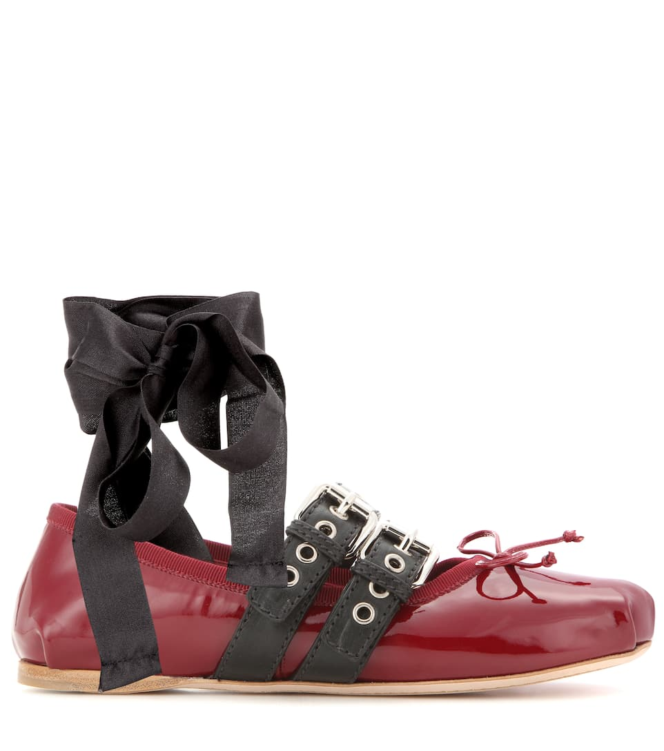 miu miu buckle embellished patent leather ballerinas in porpora eero modesens. Black Bedroom Furniture Sets. Home Design Ideas