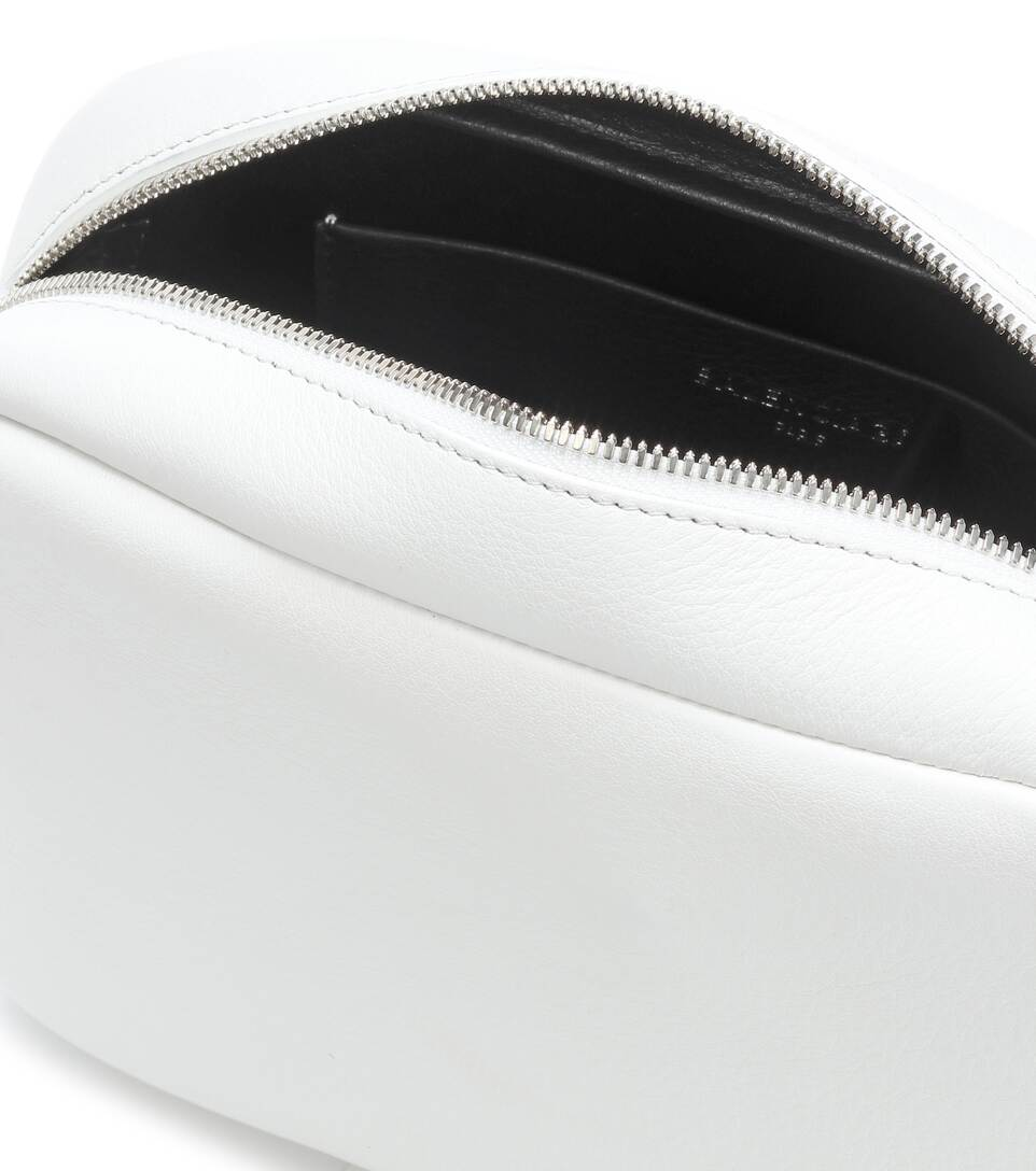 Balenciaga Crossbody-Tasche Everyday aus Leder Für Billigen Rabatt Preise Günstig Online irNQyFY3