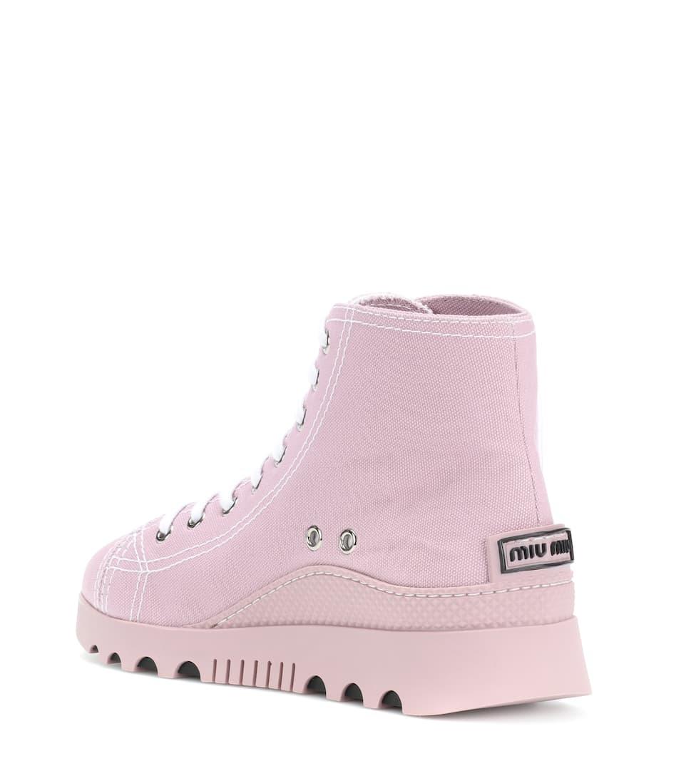 Miu Miu High-Top Sneakers mit Verzierung