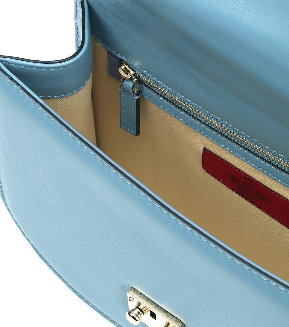 Valentino Valentino Garavani Schultertasche Lock Medium mit Leder