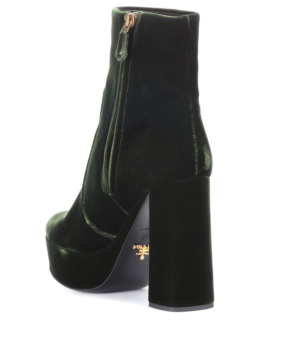 Prada Plateau-Ankle Boots aus Samt