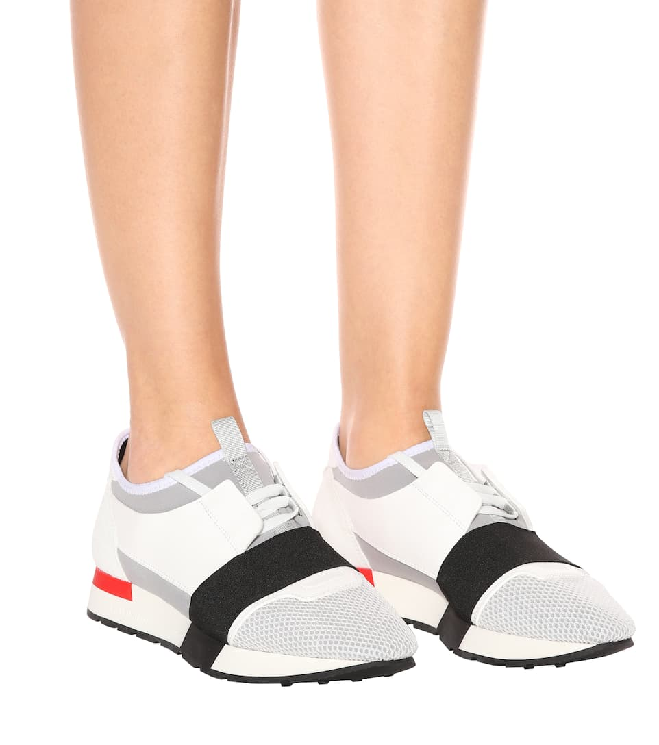Balenciaga Sneakers Race Runner mit Lederbesatz
