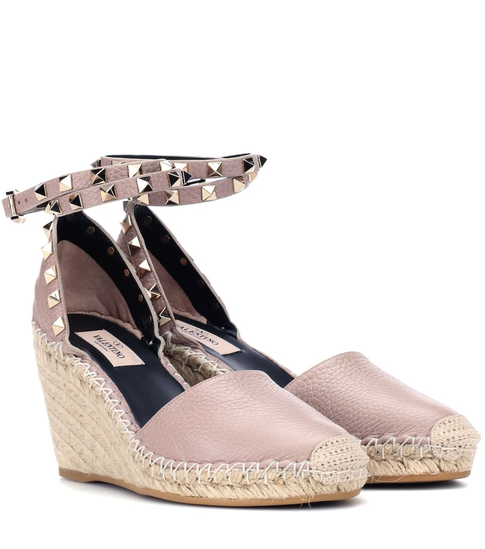 3e25f42a189 Valentino Garavani Rockstud leather wedge espadrilles