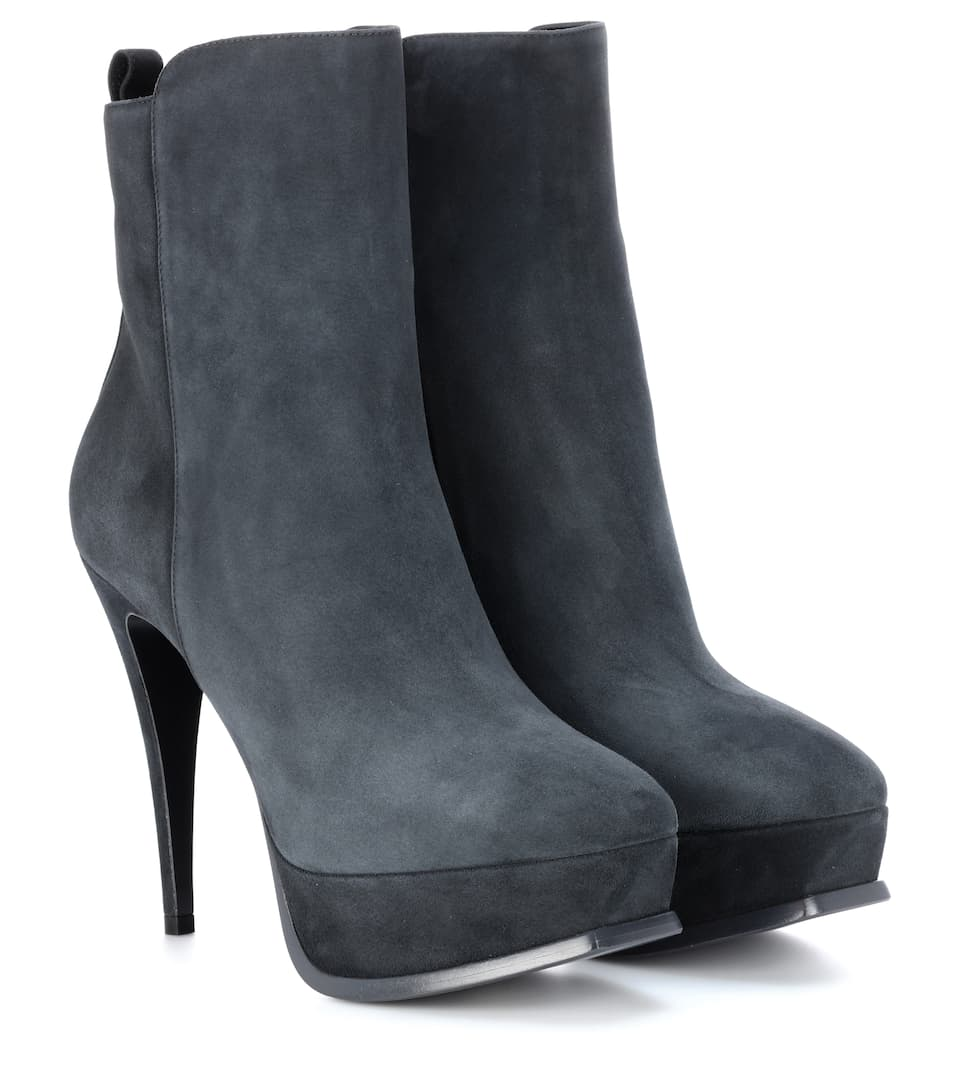 Saint Laurent Tribute Ankle Boots 90 From Suede