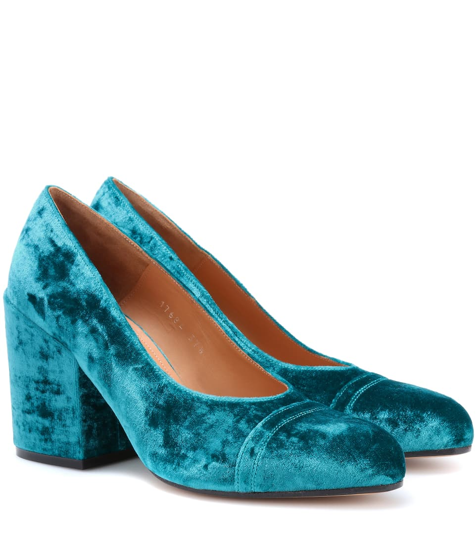 b5c93b63e5 Dries Van Noten - Velvet pumps