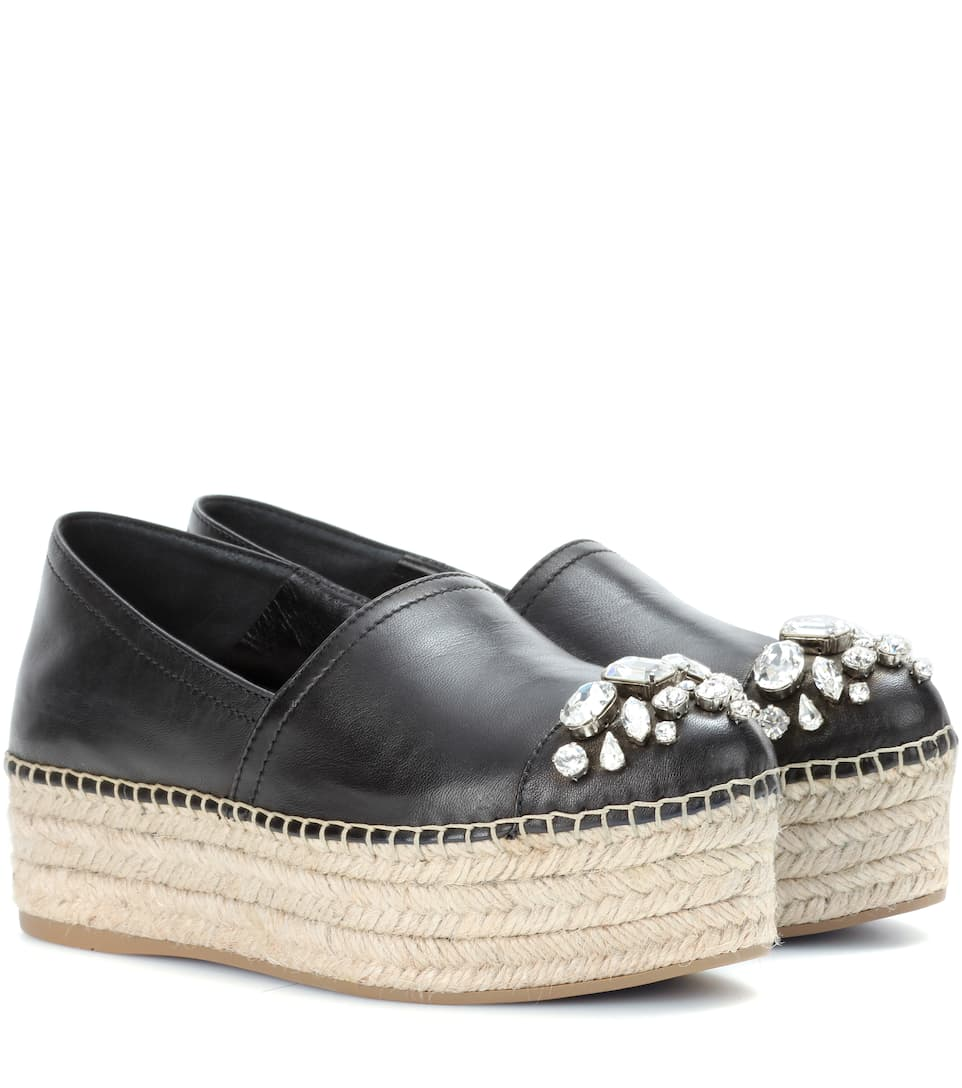 Shop TOMS espadrilles for women, the most comfortable espadrilles out there in fun colors and prints. Features include open toe, embroidered, slip-ons, leather, suede or more. One for One®.