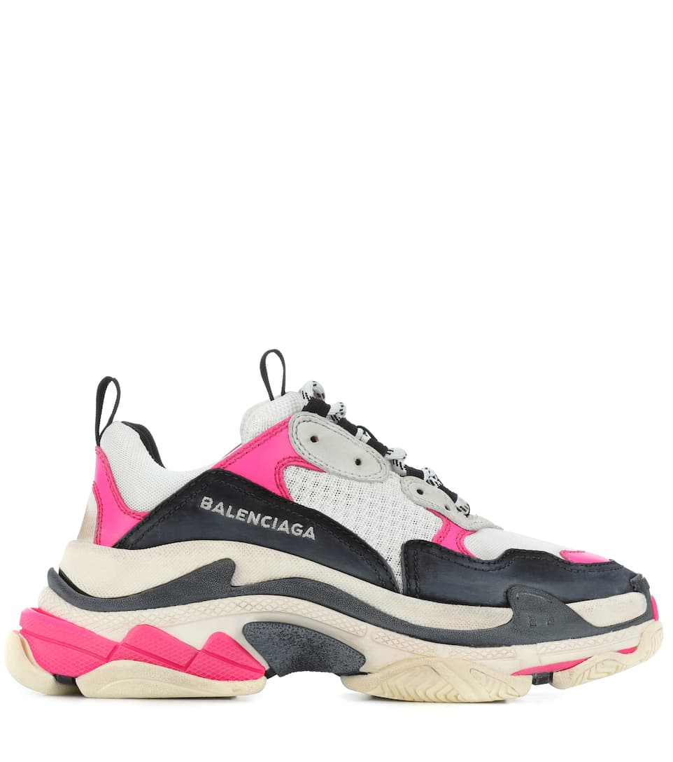 Balenciaga triple s 39 new in box replica in CH46 Wirral for