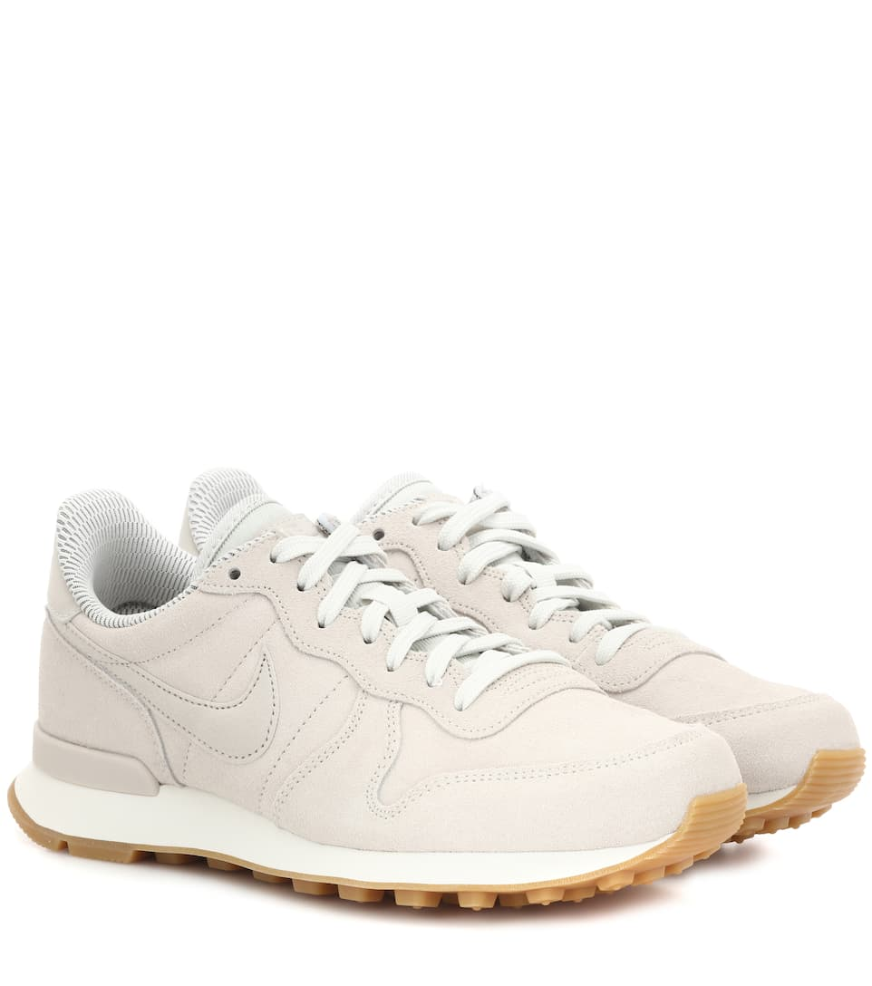 INTERNATIONALIST LEATHER SNEAKERS