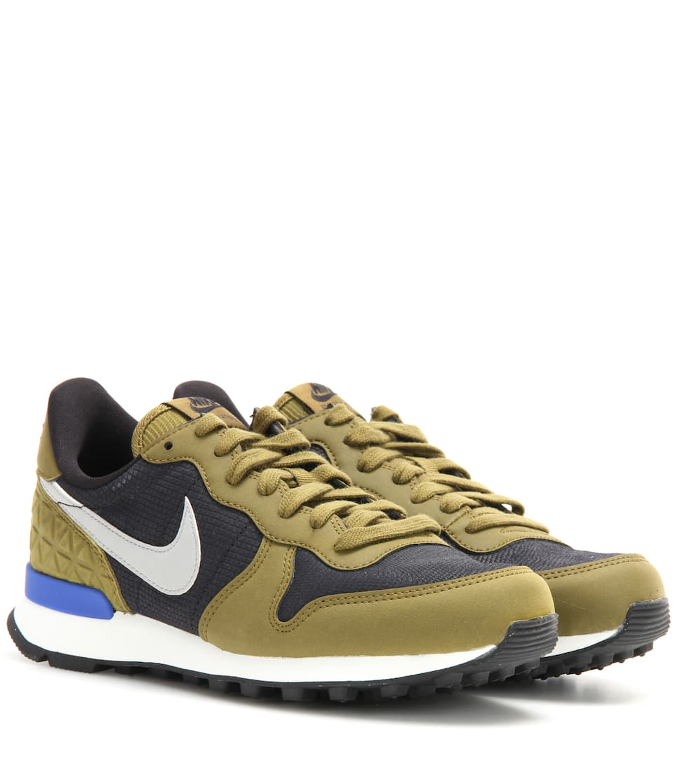 nike internationalist premium sneakers. Black Bedroom Furniture Sets. Home Design Ideas