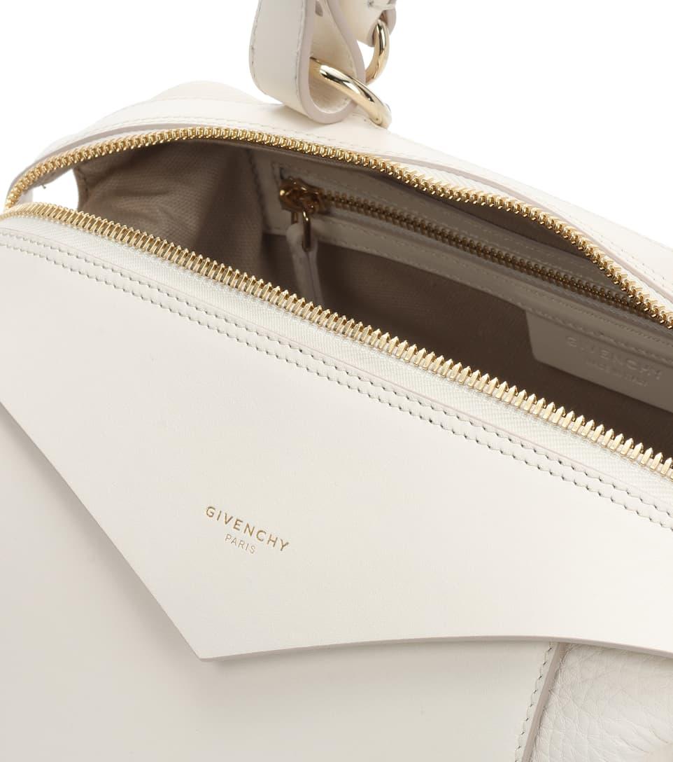 Givenchy Tote Sway Small Zip aus Leder Outlet Kaufen Große Überraschung Günstig Online Finden Großen Günstigen Preis Gefälschte Online Verkauf Günstig Online P18u5M7qNu