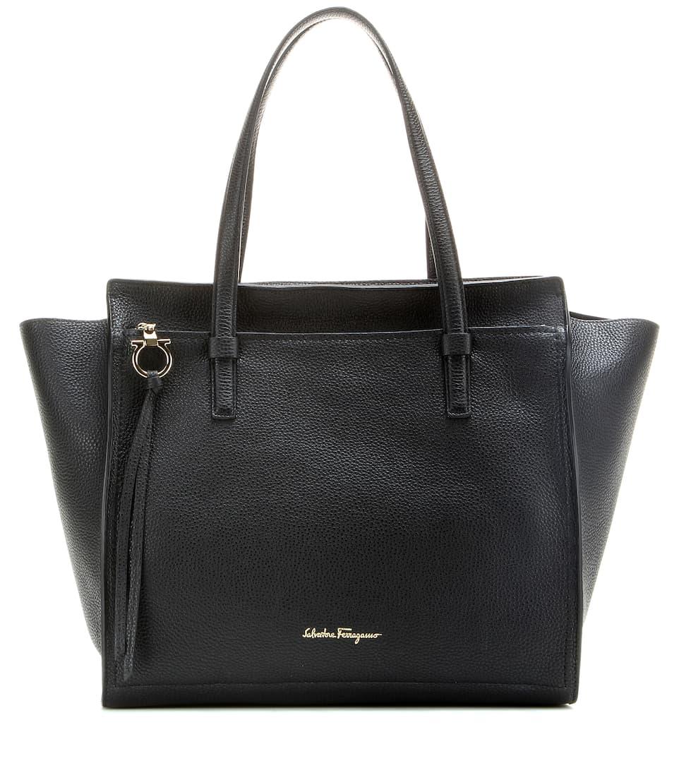 190c6808000a Salvatore Ferragamo - Large Amy leather tote