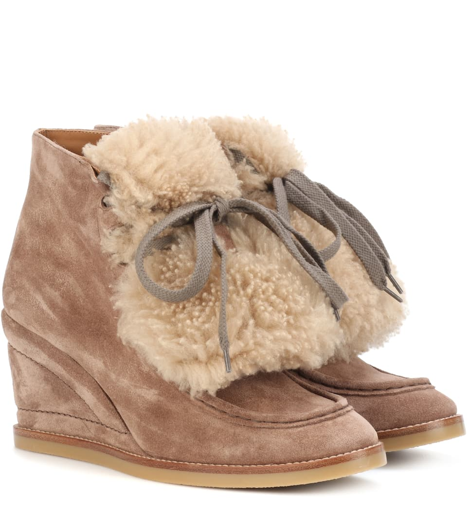 a061a2e79b4 Shearling-Trimmed Suede Ankle Boots | Chloé - mytheresa.com