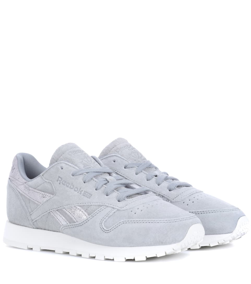 0979007124e Reebok Classic Shimmer Leather Sneakers In Grey