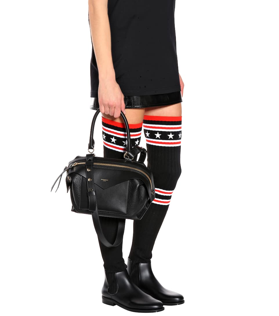 Givenchy Tote Sway Small Zip aus Leder