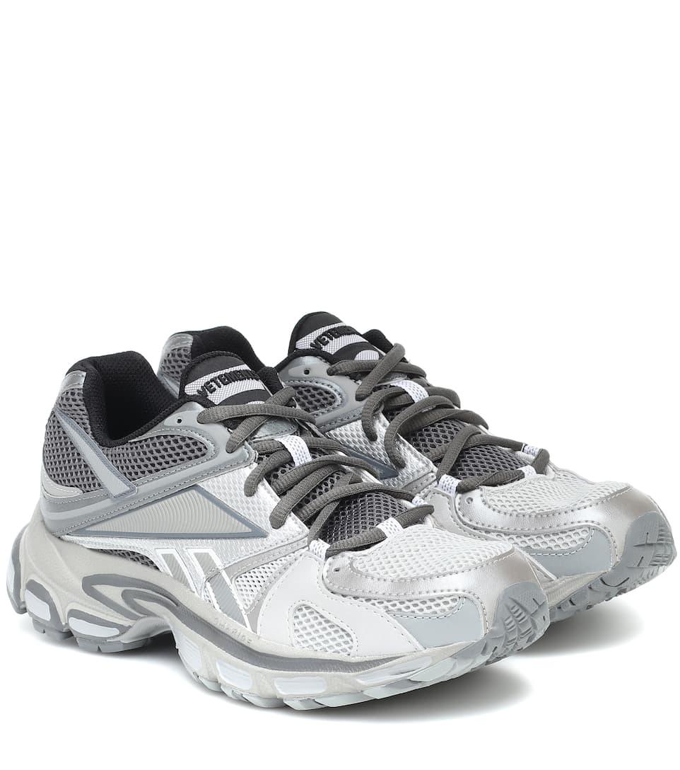 X Reebok Spike Runner 200 Sneakers