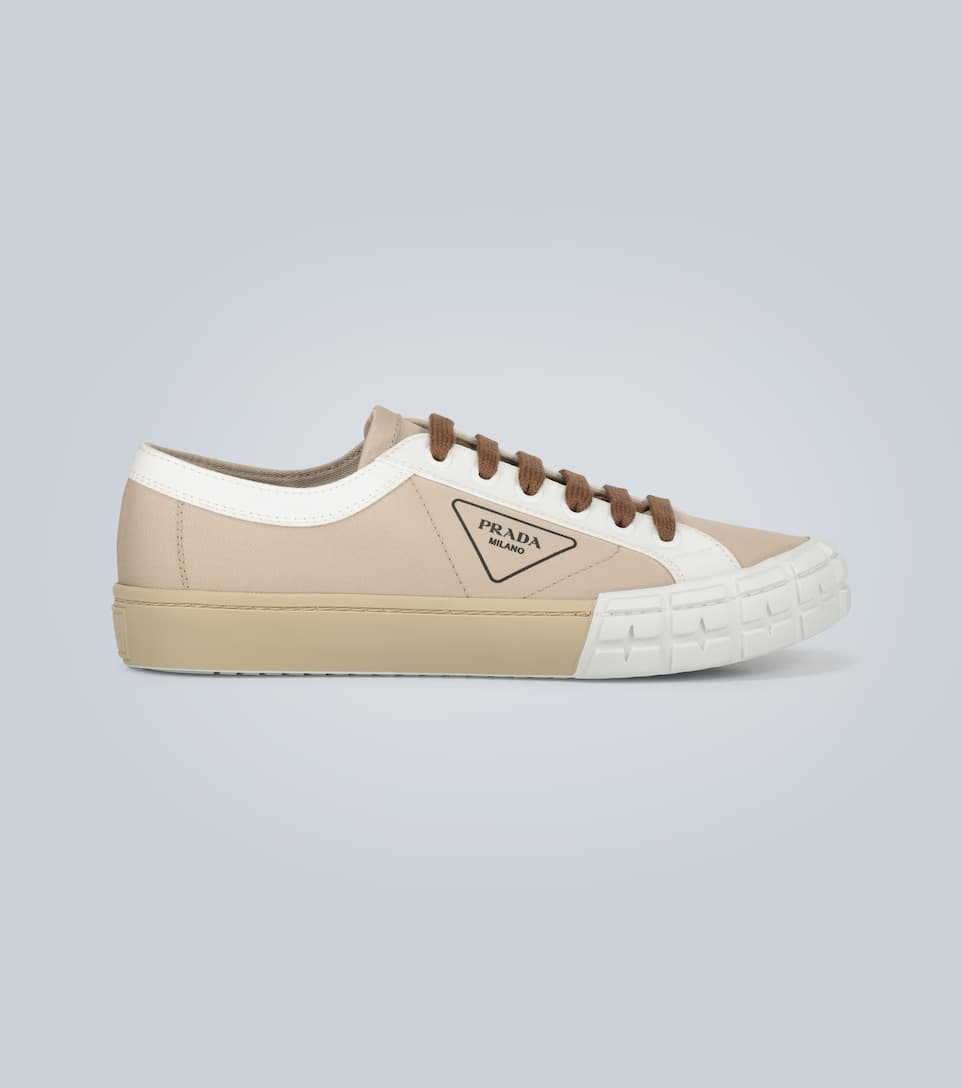 Wheel Low-Top Sneakers With Logo