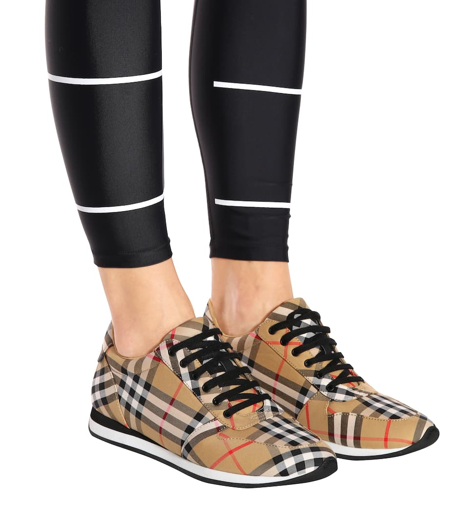 Burberry Amelia check sneakers Antique Yellow Free Shipping 2018 New Sale Best Sale Buy Cheap Really Comfortable VeA2PpRy7V
