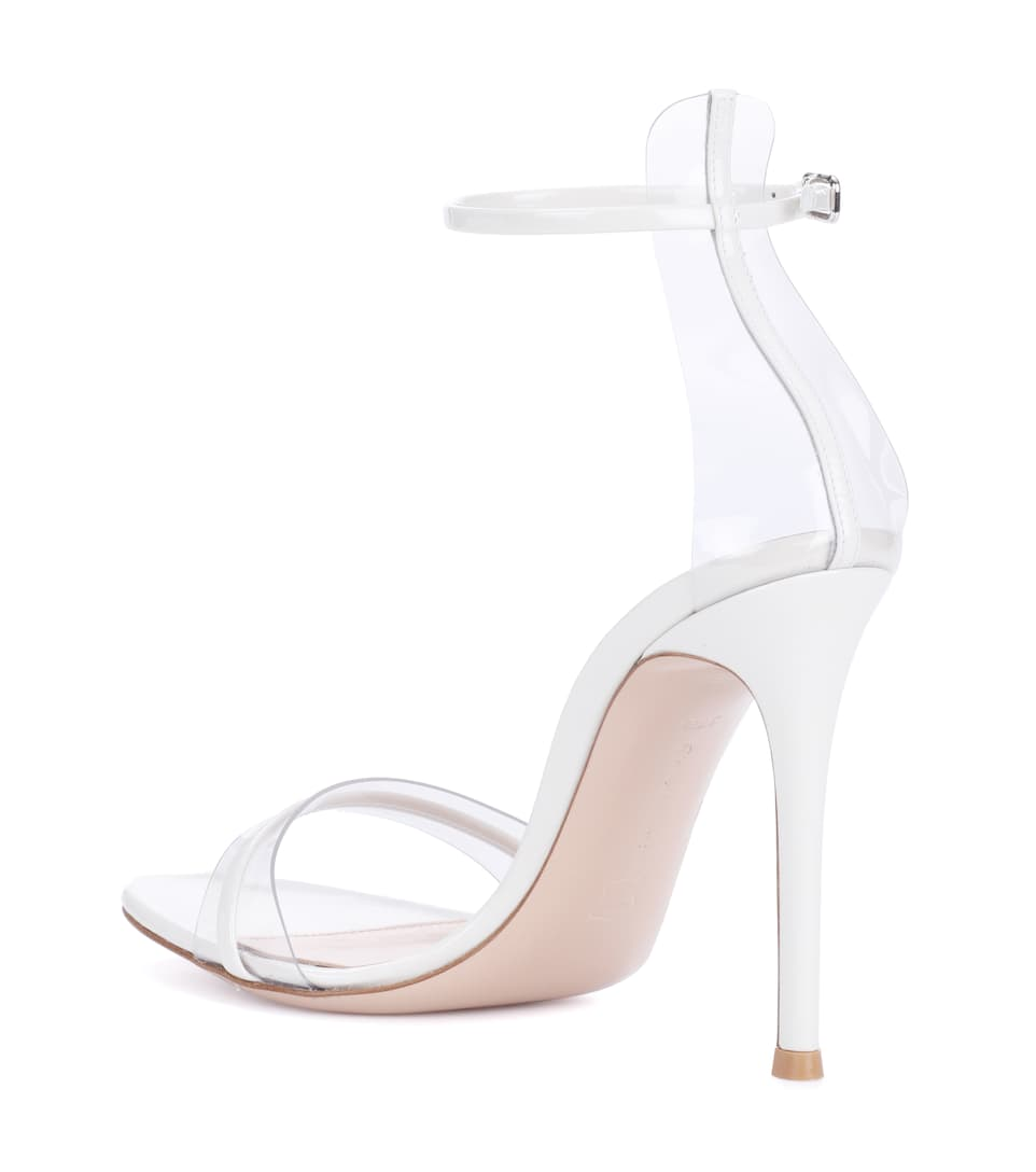 Exclusive to mytheresa.com - G-String patent leather sandals Gianvito Rossi ho5Vqz