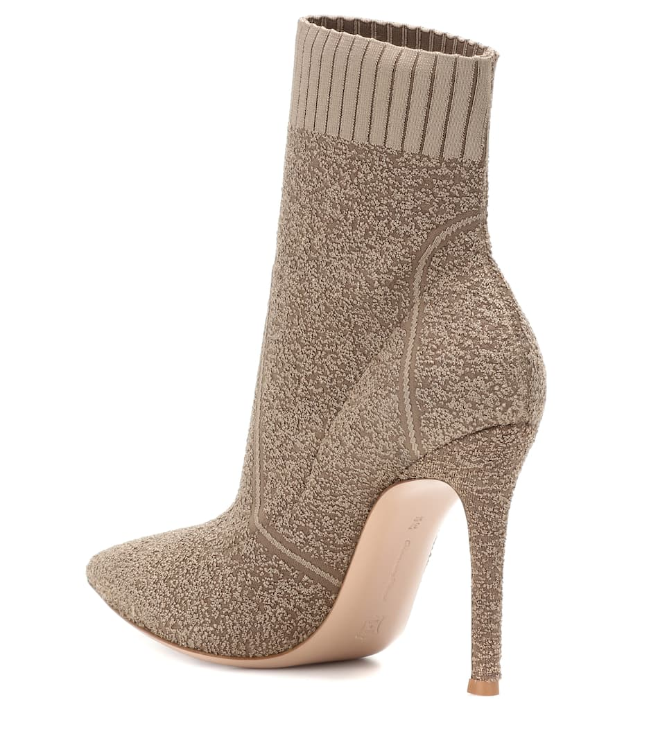 Gianvito Rossi Ankle Boots Fiona aus Bouclé