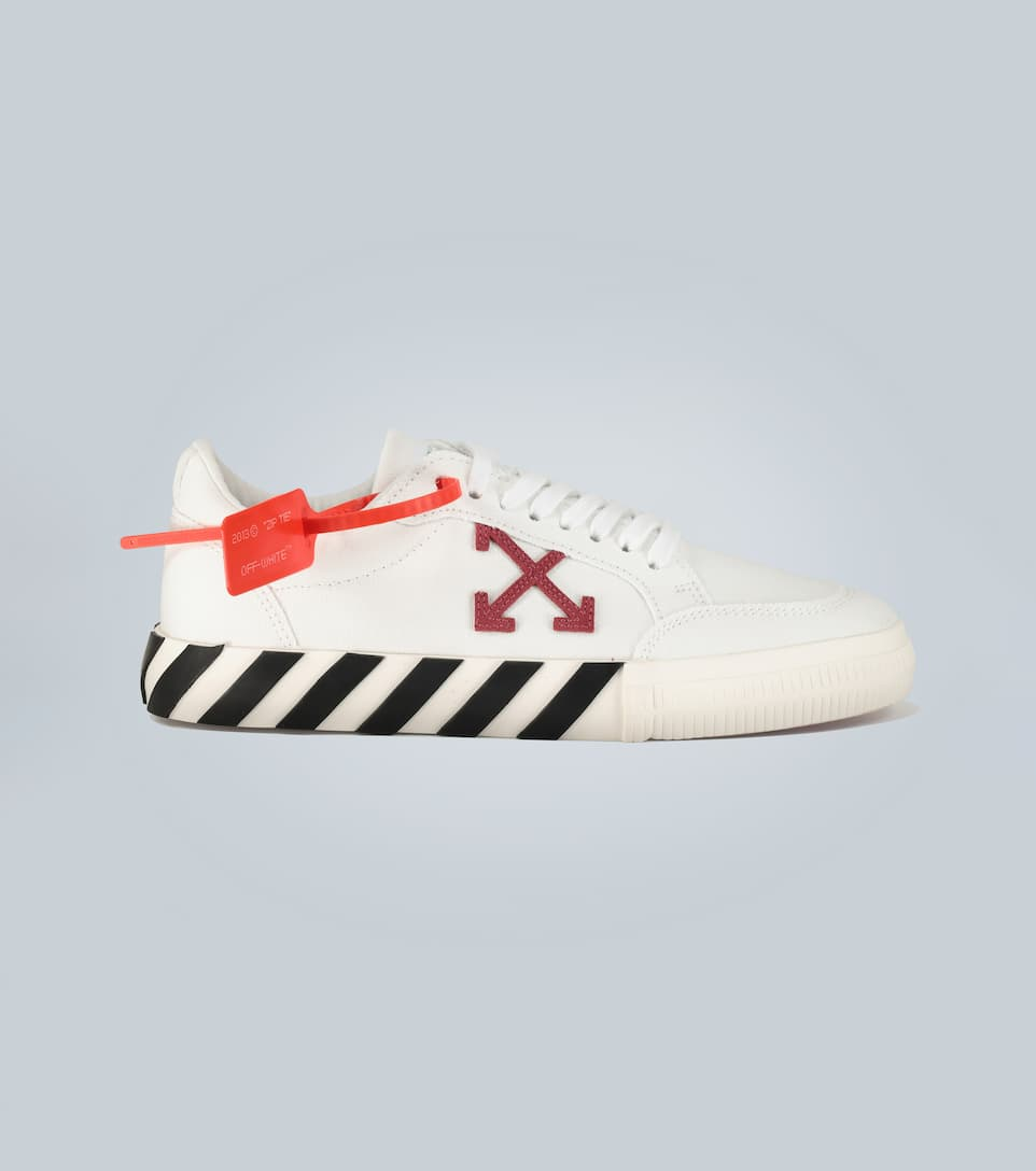 Off-white Vulcanized Leather And Canvas Low-top Trainers In 白色