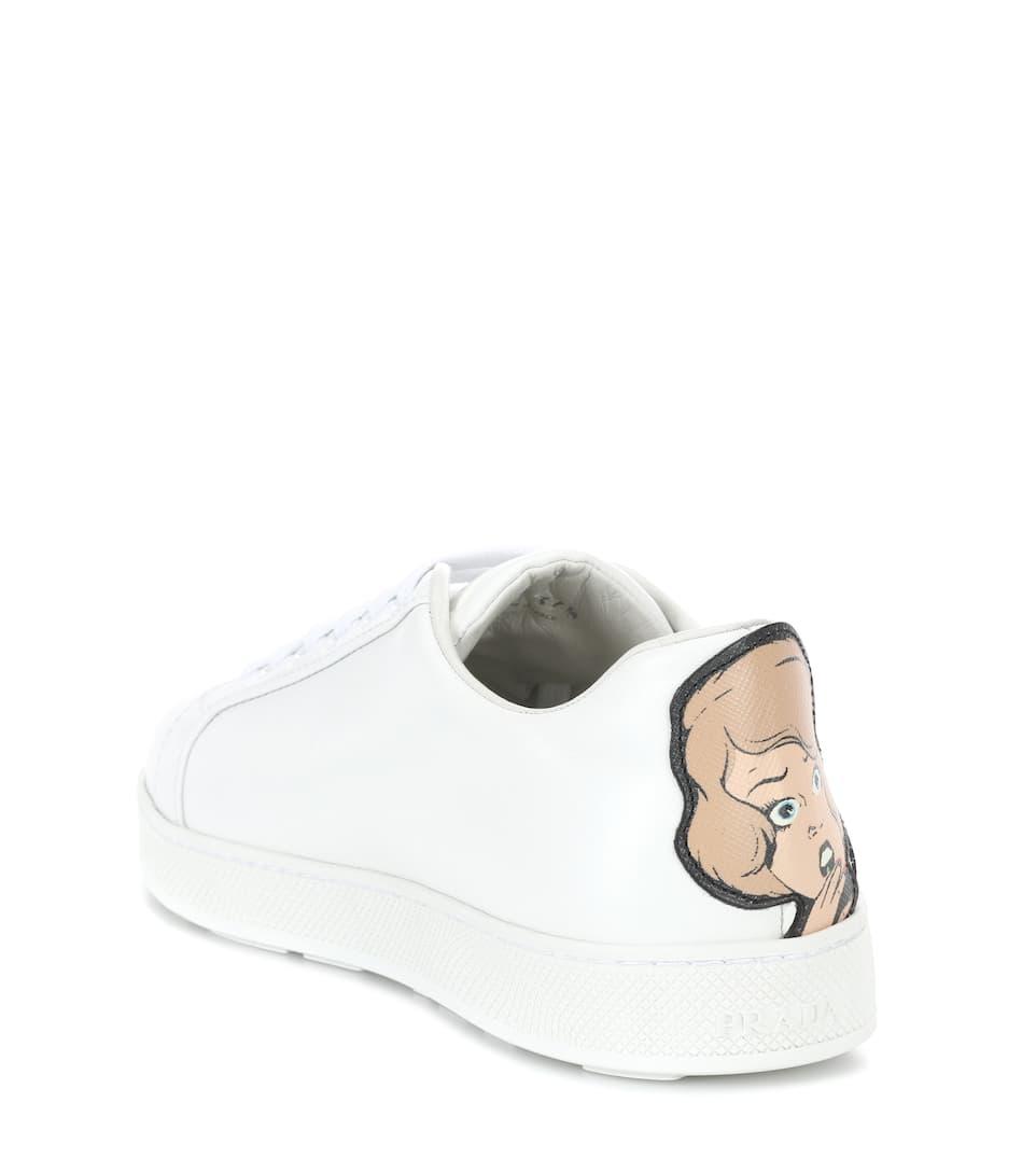 Prada Verzierte Sneakers aus Leder