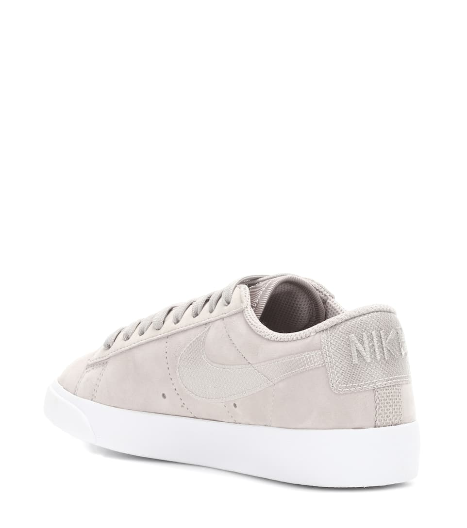 Nike Sneakers Blazer Low aus Veloursleder