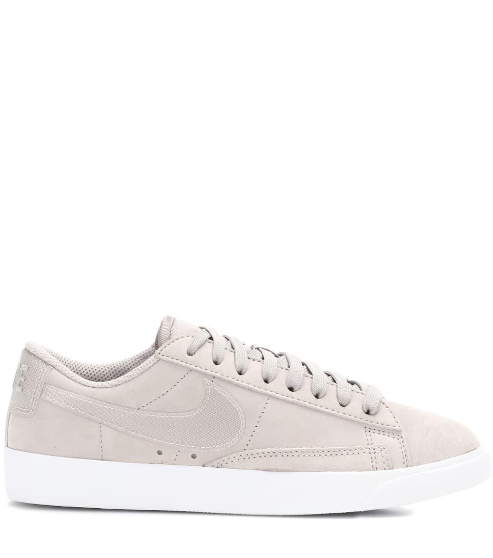 Nike Sneakers Blazer Low aus Veloursleder
