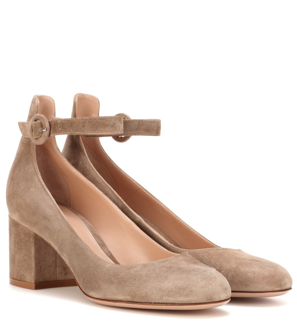 2a4b47f4f7b Gianvito Rossi - Exclusive to mytheresa.com – Greta Mid suede pumps ...