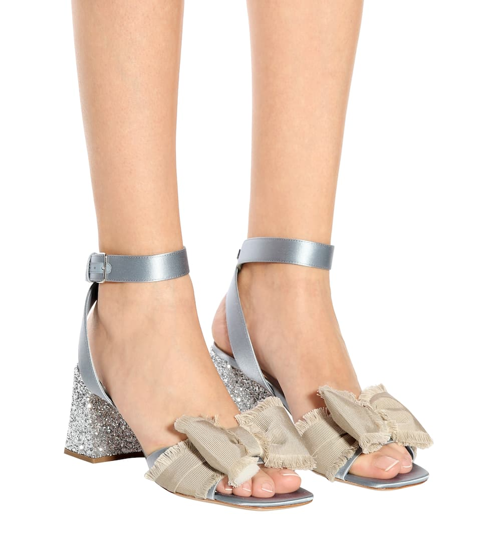 Miu Miu Sandalen aus Satin
