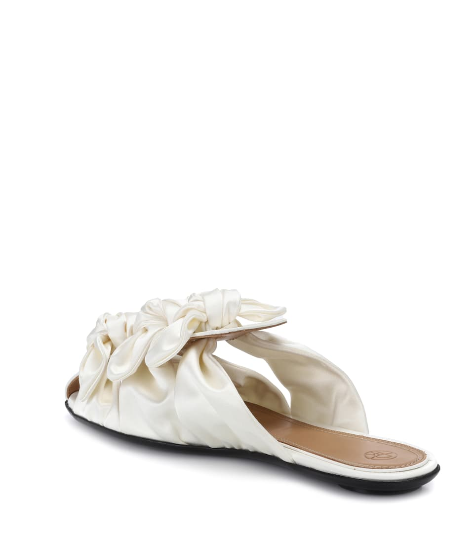 The Row Slippers Capri Bow aus Satin