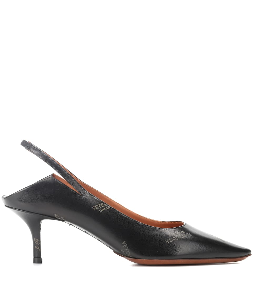 Vetements Bedruckte Slingback-Pumps aus Leder
