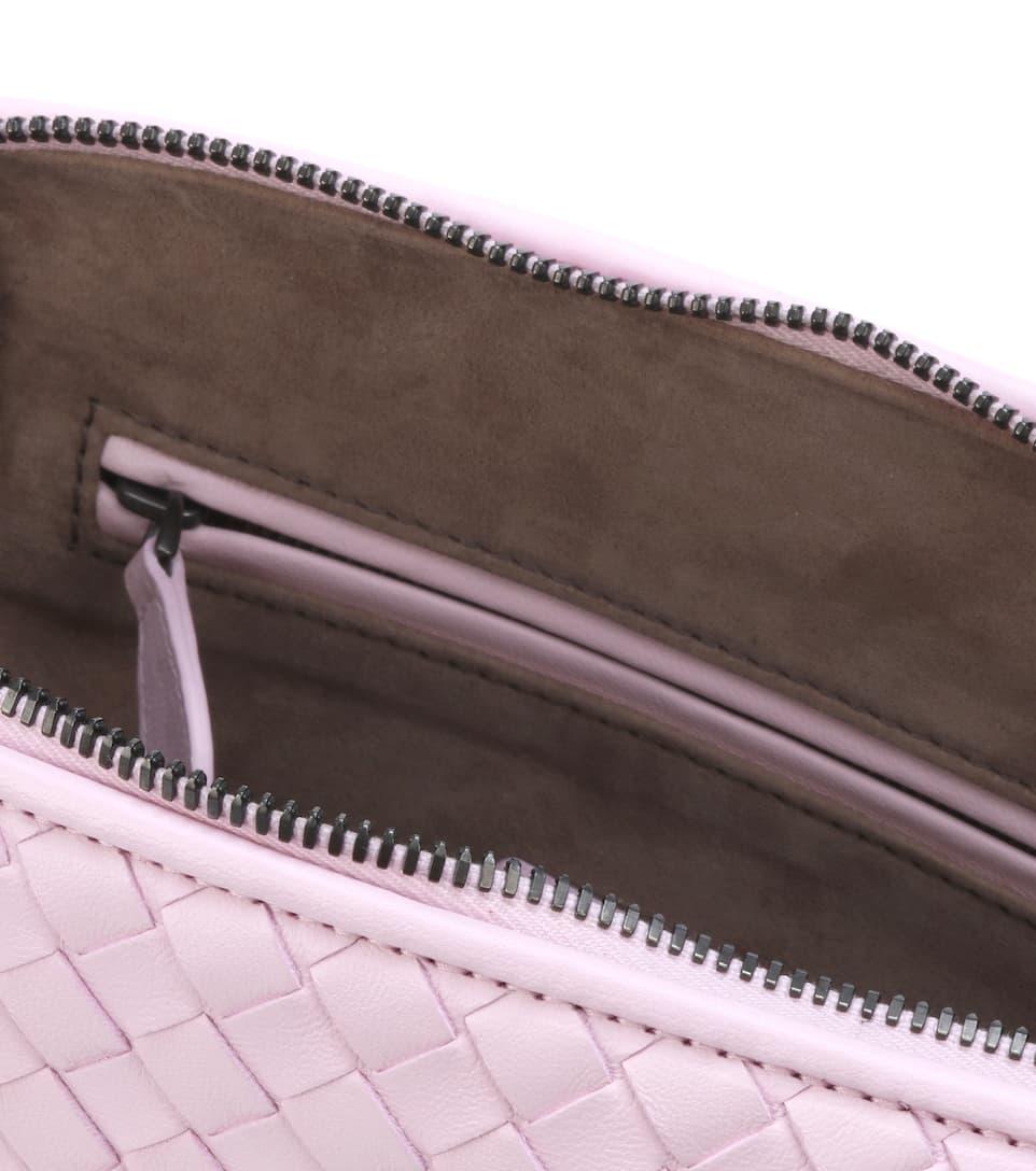 Bottega Veneta Schultertasche mit Intrecciato-Flechttechnik aus Leder