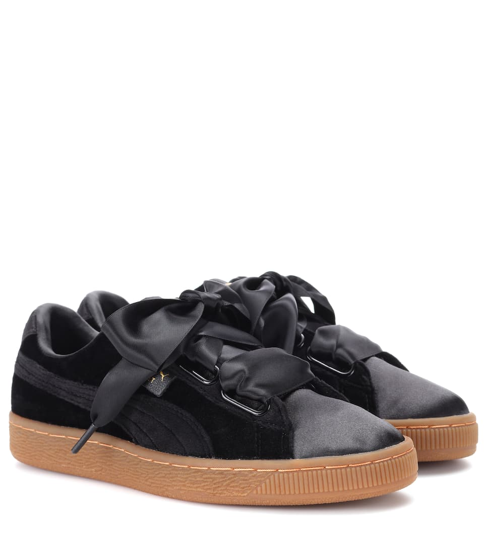 puma basket heart velvet sneakers