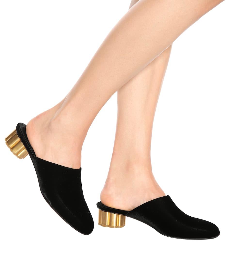 SALVATORE FERRAGAMO 'Livornov' Metallic Flower Heel Velvet ...