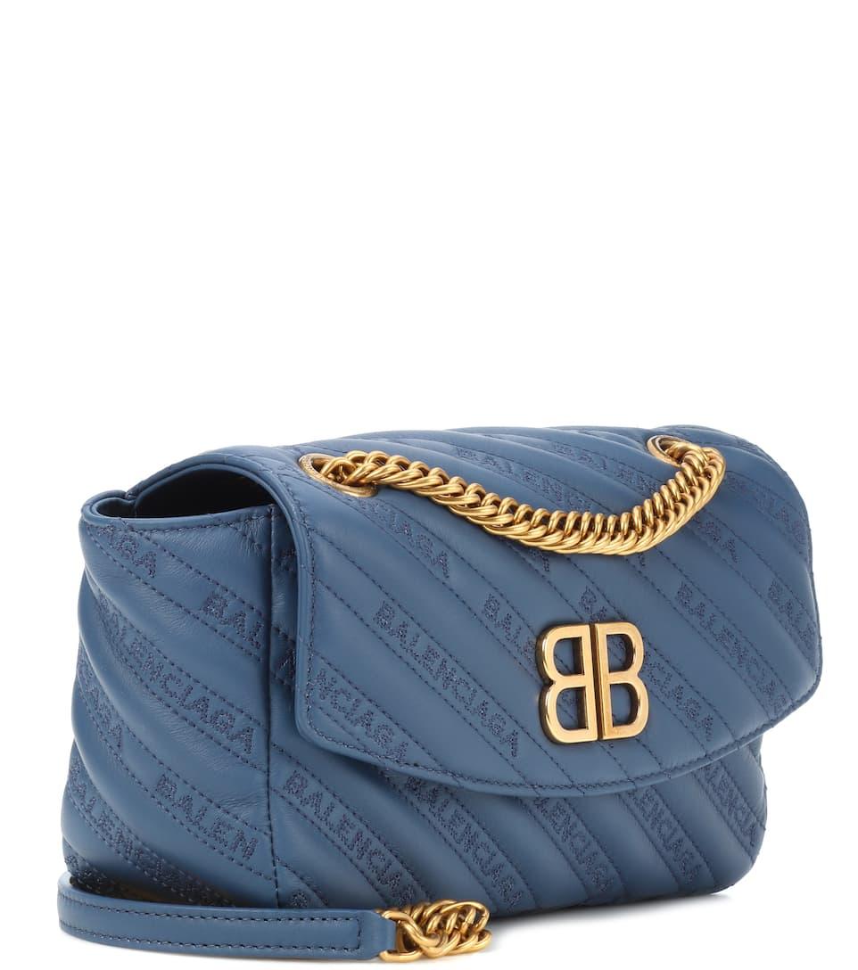 Balenciaga Schultertasche Chain Round S aus Leder